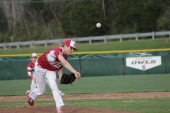 Gabe Bierman pitching,