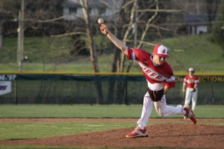 Gabe Bierman throws a pitch.