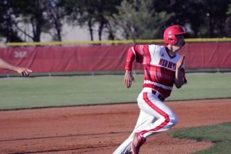 Trey Bottorff running the bases
