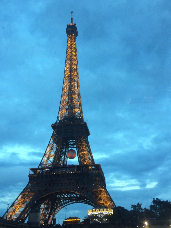 2016-06-15 - paris tour eiffel - blue sky